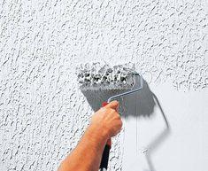 ▷ Schritt für Schritt ▷ Reibeputz auftragen & strukturieren - bauen.de Wall Texture Patterns, Wall Texture Design, Wall Panel Design, Tv Wall Design, Panel Wall Art, Stucco Exterior, Stucco Walls, Wall Exterior, Patterned Paint Rollers