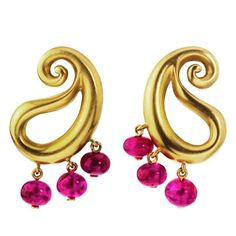 One of my favorite shapes in decorative arts, the paisley, seen here as a pair of earrings in satin finish 18K yellow gold and Burmese ruby beads for an everyday hippie chic look. #hashtagfashion #madetomeasure #new #birthday #bespoke #whimsical #wwwprincedimitri #elegant #earrings #royalty #yugoslavroyalfamily #ilovethese #adorable #sexy #sexy #divine #fashion #fun #fabulous #favorite #fashiondiaries #glam #gift #gold #highfashion #hashtagfashion #hippiechic #jewelry #jewels #lovely…
