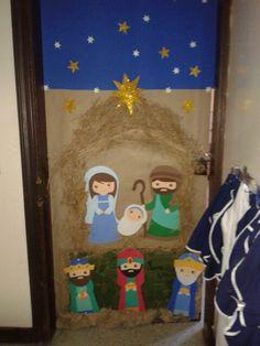 Manger!!!!! Christmas Classroom Door, Preschool Christmas, Christmas Crafts For Kids, Christmas Door Decorating Contest, Office Christmas Decorations, Christmas Manger, Winter Christmas, Art Handouts, Christian Holidays