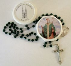 "Rosary St.Patrick's Church of New York Green Beads 18-1/2"" Made Italy Container"