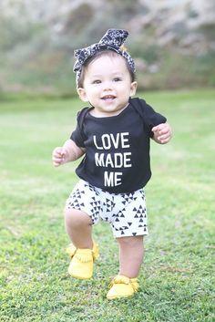 Black Triangle Arrows Knit Baby Shorts Girl Boy door SweetLucyJack, $12.00