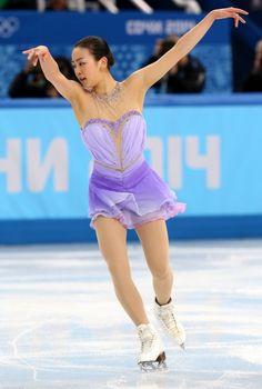 女子SPで演技する浅田真央=ロシア・ソチのアイスベルク・パレスで2014年2月19日、貝塚太一撮影