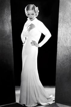 """1930s Fashion: Bette Davis """"Hollywood wanted me to be pretty, but I fought for realism."""""""