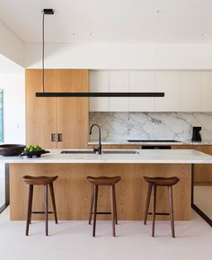 36 Popular Minimalist Kitchen Design Ideas You Never Seen Before - e really have come a long way in cooking and kitchen designs. A modern kitchen is now quite different to early kitchens thanks to developments in elec. Minimalist Interior, Interior Design Kitchen, Modern Interior Design, Kitchen Designs, Modern Minimalist, Minimalist House, Kitchen Design Minimalist, Minimalist Kitchen Interiors, Coastal Interior