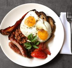 I should've been born a Brit. I've never had one, but I am so craving a full English breakfast right now.