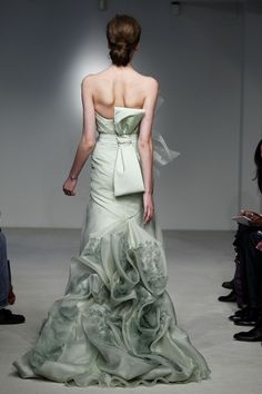 Vera Wang Gown Vera Wang Gowns, Designer Wedding Gowns, Design Boards, Stay  Classy 4555fa75e572