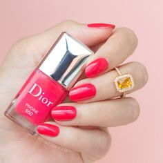 Dior Pivoine - stunning coral nail polish || Dior Spring 2016: Review and Swatches