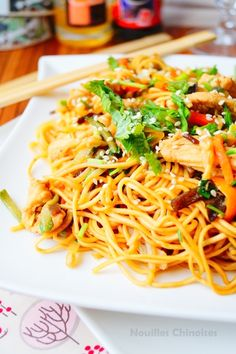 Fideos chinos con pollo y vegetales Kids Cooking Recipes, Healthy Cooking, Healthy Recipes, Vegetarian Recipes, Healthy Food, Asian Noodle Recipes, Asian Recipes, Ethnic Recipes, Italian Chicken Recipes