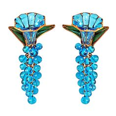 RARE CHANEL GRIPOIX BLUEBELL ENAMEL RUNWAY EARRINGS circa 1980s-90s Bijoux  Chanel, Créateur De ea5fb1265e7
