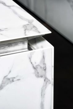 detail of worktop with an integrated handle-less
