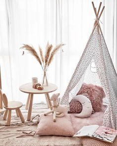 I am absolutely loving the look of this kids play area! ⠀⠀⠀⠀⠀⠀⠀⠀⠀ How adorable is the moon🌛⠀⠀⠀⠀⠀⠀⠀⠀⠀ ⠀⠀⠀⠀⠀⠀⠀⠀⠀ image via ⠀⠀⠀⠀⠀⠀⠀⠀⠀ ⠀⠀⠀⠀⠀⠀⠀⠀⠀ Baby Bedroom, Baby Room Decor, Nursery Room, Girls Bedroom, Bedroom Decor, Baby Playroom, Kids Room Design, My New Room, Girl Room