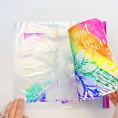 Learn how to turn markers into beautiful watercolor art using a Ziploc bag and resist paper. Learn how to create a watercolor background over resist paper using markers and a Ziploc bag. This easy waterciolor method is great for kids and adults. Diy Crafts Videos, Diy Crafts For Kids, Fun Crafts, Art For Kids, Paper Crafts, Paper Art, Craft For Tweens, Diy Crafts Summer, Children's Arts And Crafts