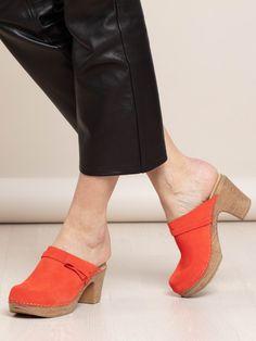 Clog Sandals, Slingback Shoes, Shoes Heels, Swedish Clogs, Black High Heels, Lighter, Leather Shoes, Heeled Mules, Slip On