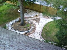 Mosaic design pathways onto stone dust base & raised bed around tree with flat stacked granite scraps. Planter Boxes, Planters, Home Id, Recycling Projects, Front Yard Fence, Raised Bed, Mosaic Designs, Metal Roof, Pathways