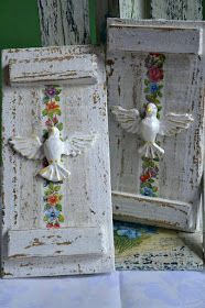 Atelie Cantinho DA ARTE: QUADRO DO ESPÍRITO SANTO Diy Projects To Try, Crafts To Make, Arts And Crafts, Diy Crafts, Sunday School Crafts For Kids, Iron Orchid Designs, Decoupage Art, Rustic Crafts, Religious Art
