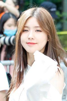 (*) miyeon - Twitter Search South Korean Girls, Korean Girl Groups, Cube Entertainment, Soyeon, My Girl, Rapper, Fandoms, Kpop, Pretty