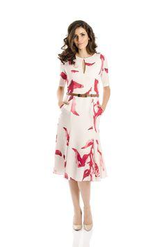 Vestido Alphorria Evasê Midi Off White - Marca Alphorria Simple Dresses, Cute Dresses, Royal Fashion, Fashion Looks, Vestidos Chiffon, Sunday Dress, Royal Clothing, Light Dress, Business Dresses