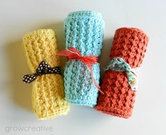 Crochet Washcloths - Free Pattern on linked page. Posted this picture as the colors used on the ones on the pattern page are not as bright and fun. :-)