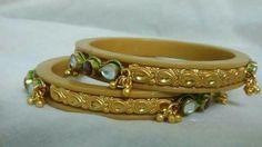 Royal Jewelry, India Jewelry, Gold Jewellery, Gold Bangles Design, Gold Earrings Designs, Pendant Set, Diamond Pendant, Bengali Culture, Wedding Chura