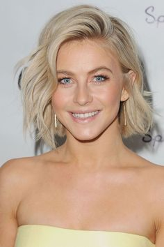 Julianne goes for an icy version of ash blondecomplemented by a short bob and beachy waves.
