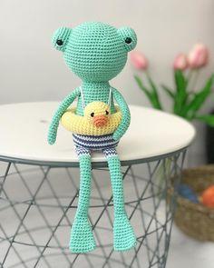 Mesmerizing Crochet an Amigurumi Rabbit Ideas. Lovely Crochet an Amigurumi Rabbit Ideas. Crochet Frog, Crochet Animal Amigurumi, Crochet Diy, Crochet Hook Set, Amigurumi Patterns, Amigurumi Doll, Crochet Animals, Crochet Dolls, Handmade Toys