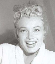 Marilyn Monroe photographed by Jock Carroll in 1952