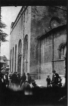 Igrexa de San Xoán. Portomarín, Lugo. Primeiro cuarto do século XX. Tarxeta postal. Xelatina de prata ao clorobromuro. 14 x 9 cm.