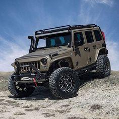 Follow @starwoodmotors for custom Jeeps and trucks.