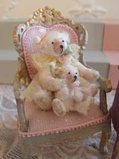 Miniature chair for the nursery with cuddly toys on display. 1-12 Scale.