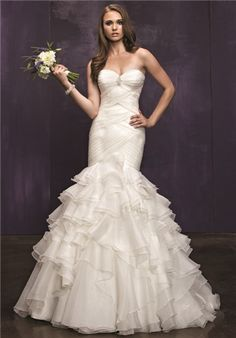 Fitted sweetheart neckline bodice with tiered silk organza skirt  // BE219 from ella rosa