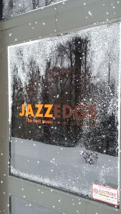 It's a lovely snowy day here at JazzEdge!