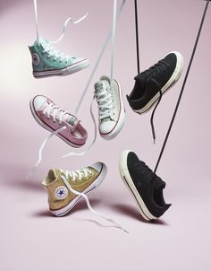 Clinch – Converse Footwear Still Life Photography - Peregrine. Converse Photography, Clothing Photography, Fashion Photography, Foto Still, Shoes Editorial, Fashion Still Life, Shoes Ads, Creative Shoes, Hand Painted Shoes