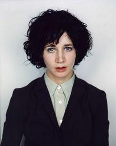 Se parece  a Bob Dylan y por ende la adoro