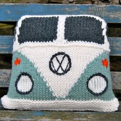 Pattern Knit a Splitty Campervan Kombi Cushion by SnuginaDub