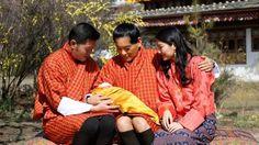 Eerste foto van pasgeboren Bhutaanse kroonprins - Blauw Bloed