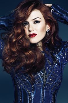Isla Fisher - Love the hair and make up