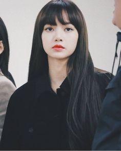 cold as ice Kpop Girl Groups, Korean Girl Groups, Kpop Girls, Jennie Lisa, Blackpink Lisa, Lisa Hair, Kim Jisoo, Hair Again, Look At You