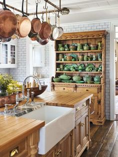 An Century Seaside Cottage Saved from the Wrecking Ball - The Glam Pad - cottage kitchens Cottage Kitchens, Home Kitchens, Cottage Kitchen Decor, Cottage Kitchen Cabinets, Country Kitchens, Kitchen Cupboard, Kitchen Appliances, New Kitchen, Kitchen Ideas