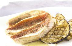 Gebakken rode poon met geroosterde aubergines en citroensaus (kummel kan je vervangen door komijn)