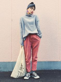 TAEさんの「KBF ワイドハイネックカットソー(S)(KBF)」を使ったコーディネート Love Fashion, Normcore, Street Style, Poses, Casual, How To Wear, Converse, Colour, Clothes