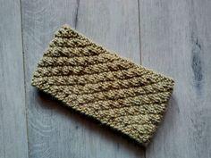 Le bandeau Épicéa, modèle gratuit au tricot - Binge Tricot Headband Pattern, Knitted Headband, Ravelry, Bandeau, Free Knitting, Headbands, Free Pattern, Texture, Stitch