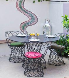 deco-jardin-mosaique-murale-meubles-fer-forge