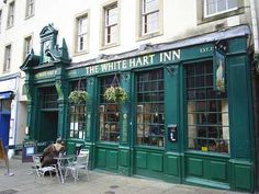 """Established in 1516, The White Hart Inn is one of the oldest & most historical pubs in Edinburgh & a tourist attraction in its own right. Past visitors have been poets Robert Burns & William Wordsworth. The murderers Burke & Hare frequented the pub in the late 1820s, befriending many unsuspecting victims before luring them back to their nearby lodgings where they were murdered and their bodies promptly sold on a """"no questions asked basis"""" to Dr Knox for medical dissection by students."""