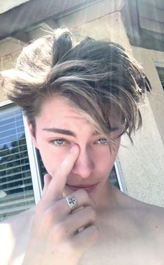 He look like young Leonardo DiCaprio 💙😭😂 Bad Boys, Cute Boys, Beautiful Boys, Beautiful People, David Keith, Jordan Barrett, Young Leonardo Dicaprio, Blue Exorcist, Young Fashion