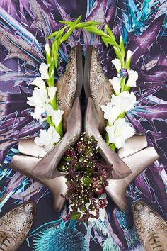 Schuhe und Blumen ergeben Kunstwerke to go - Reichert und Rynas zeigen Shoe Emblems