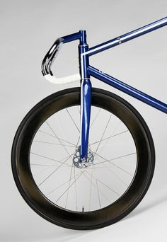Learning to ride a bike is no big deal. Learning the best ways to keep your bike from breaking down can be just as simple. Bmx, Garage Bike, Bike Details, Fixed Gear Bicycle, Bike Photography, Cycling Bikes, Road Cycling, Bicycle Accessories, Bicycle Design