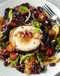 Salade van geitenkaas, spekjes en appel