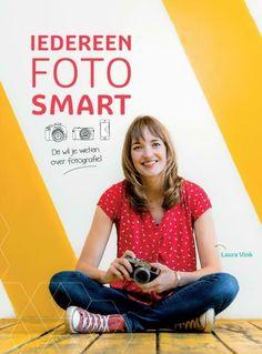 Iedereen FotoSMART wijst je de weg in de wereld van de fotografie. In dit boek staan meer dan 150 fotografiebegrippen slim uitgelegd. Van camera-apparatuur tot fotografie-effecten. Van instellingen tot compositie. Van (flits)licht tot fotobewerkingsmogelijkheden. Na het lezen weet jij precies wat een begrip inhoudt, hoe het werkt en hoe je het gebruikt in je fotografie. Style, Products, Stylus