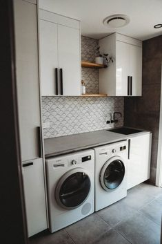 Olivia from House of White's chic laundry renovation Laundry Nook, Laundry Cabinets, Laundry Decor, Laundry Room Organization, Laundry In Bathroom, Laundry Storage, White Laundry Rooms, Modern Laundry Rooms, Laundry Room Inspiration