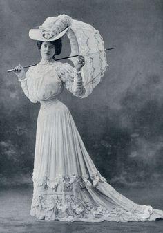 Afbeeldingsresultaat voor mode 1900 a 1910 Victorian Dolls, Victorian Lace, Victorian Women, Edwardian Era, Edwardian Fashion, Vintage Fashion, 1900s Fashion, Club Fashion, Fashion Tips